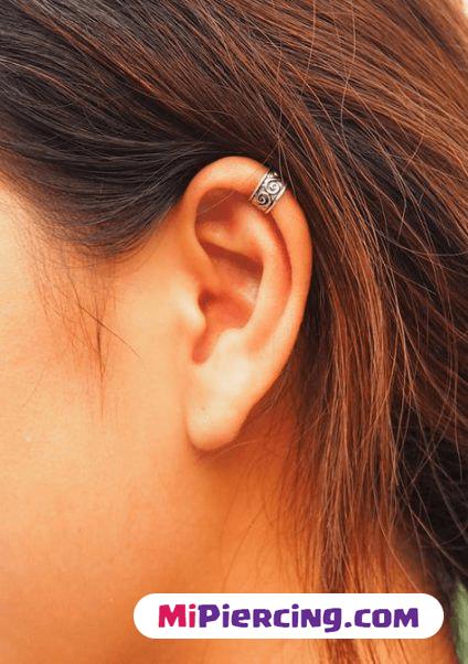 piercing en el helix